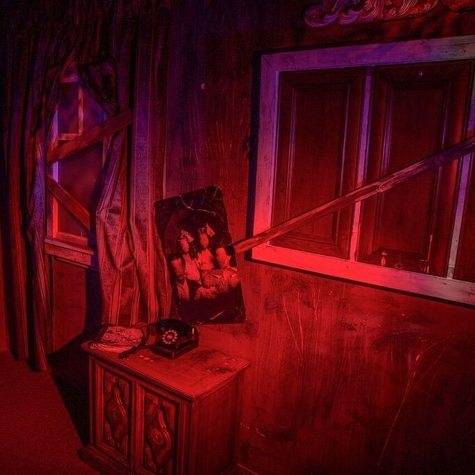 Horror Escape – Crimson Manor Escape Room – Victoria, BC